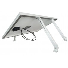 Adjustable roof mount for boats or flat roof spaces